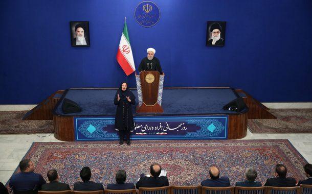 الرئيس روحاني: الضغوط الأمريكية لم تركع الشعب الايراني