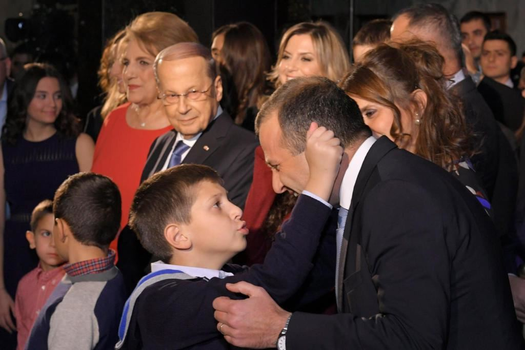 gabriel-pulling-his-father-s-ear-minister-gebran-bassi