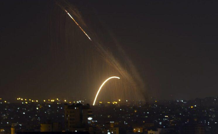72 قتيلا في التصعيد المتواصل لليوم الثالث بين إسرائيل وقطاع غزة